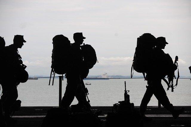 sbalení vojáci